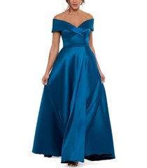 xscape off-the-shoulder twill gown