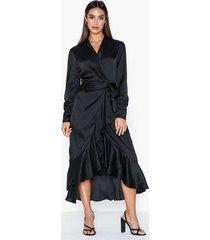 object collectors item objalina l/s flounce dress a div maxiklänningar