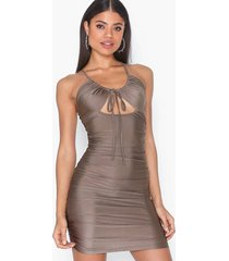 parisian rouched cut out bodycon mini dress fodralklänningar