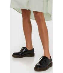 dr martens 1461 patent flat boots