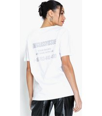 the classy issue nudes tee oversized