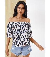 yoins blusa blanca de leopardo con hombros descubiertos y medias mangas