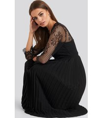 na-kd party contrast lace midi dress - black