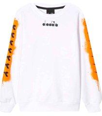 diadora white sweatshirt with rear press