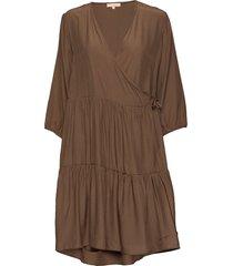 stella 3/4 dress knälång klänning brun soft rebels