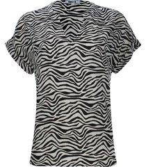 blusa cuello neru estampado animal print color negro, talla 10