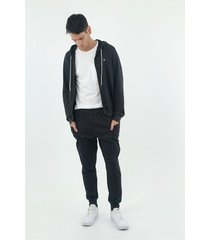 pantalón de hombre, silueta amplia tipo jogger, color negro jaspe