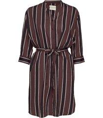 amelia dress autumn stripe knälång klänning röd moshi moshi mind