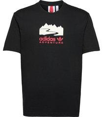adventure logo tee t-shirts short-sleeved svart adidas originals