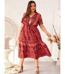 vestido de manga corta con cuello en v tribal y diseño de lazo rojo de talla grande