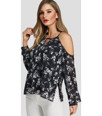 blusa con hombros descubiertos y estampado floral al azar recortado en negro