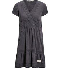 klänning step over dress