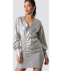 hannalicious x na-kd draped short metallic dress - silver
