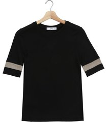 camiseta negro-dorado mng