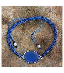 chalcedony pendant bracelet, 'solitaire' (india)