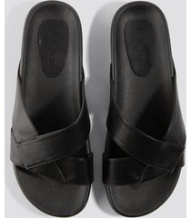 na-kd shoes knotted pu slippers - black