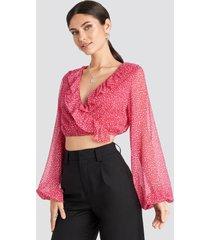 nicole mazzocato x na-kd overlap frill blouse - pink