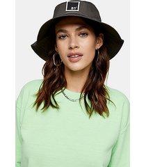 gray badge bucket hat - grey