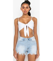 akira all the goodies tie front bralette