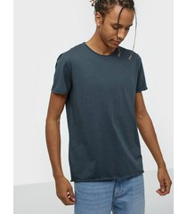 filippa k m. roll neck tee t-shirts & linnen blue graphite