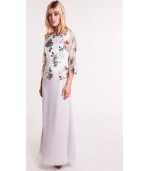 długa, szara sukienka z koronką w kwiaty