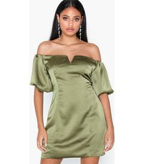 glamorous satin balloon sleeve dress fodralklänningar