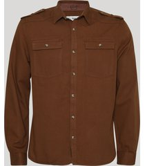 camisa de sarja masculina com bolsos manga longamarrom