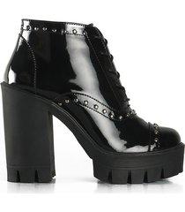 zapatos de charol adrenalina