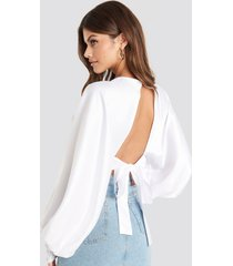 na-kd party balloon sleeve open back blouse - white