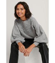na-kd trend tröja med ballongärm och blommiga broderier - grey