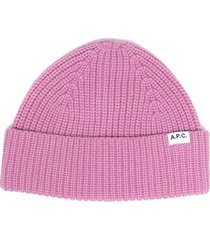 a.p.c. logo-patch ribbed beanie - pink