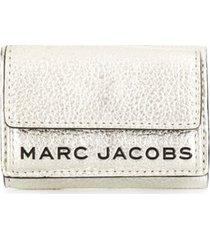 marc jacobs carteira com logo - prateado