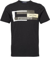 mixed graphic tee t-shirts short-sleeved svart fred perry