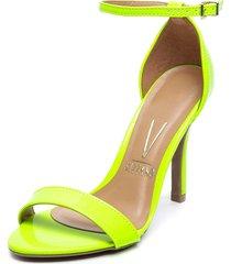 sandalia amarillo flúor vizzano