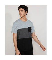 camiseta masculina manga curta gola careca com recortes e bolso cinza mescla