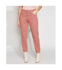 calça de sarja feminina mom cintura super alta com cinto rosa