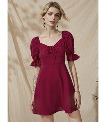 mini mangas abullonadas con cordón rojo yoins vestido