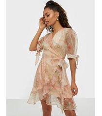 glamorous wrap floral print dress klänningar