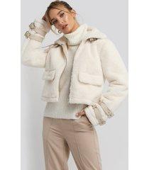 adorable caro x na-kd faux fur cropped jacket - white