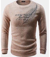 maglione in forma da uomo con lettere decorative di piume decorative di pelliccia di coniglio casual collo sottile