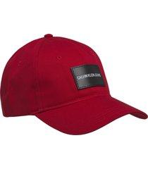 gorra rojo calvin klein