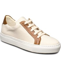 sport 18604 låga sneakers creme billi bi