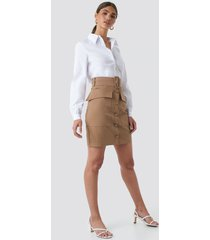 na-kd cargo belted skirt - brown