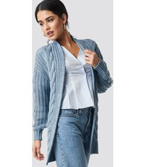 na-kd chunky cable knit long cardigan - blue