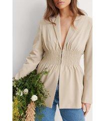 na-kd trend smocked waist blazer - beige