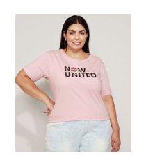 camiseta feminina plus size now united manga curta decote redondo rosê