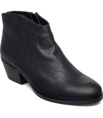 mila myth shoes boots ankle boots ankle boot - heel svart clarks