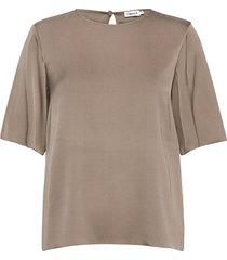 silk tee t-shirts & tops short-sleeved grijs filippa k