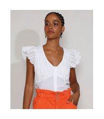 blusa feminina manga curta com babado de laise e botões decote v off white