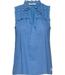 finest embroidery blouse blouse mouwloos blauw odd molly